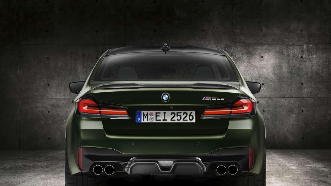 Das Heck eines BMW M5 CS