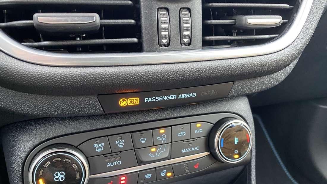 Blick in den Innenraum eines Ford Fiesta ST Edition.