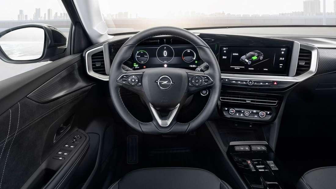 Blick in den Innenraum eines Opel Mokka-e