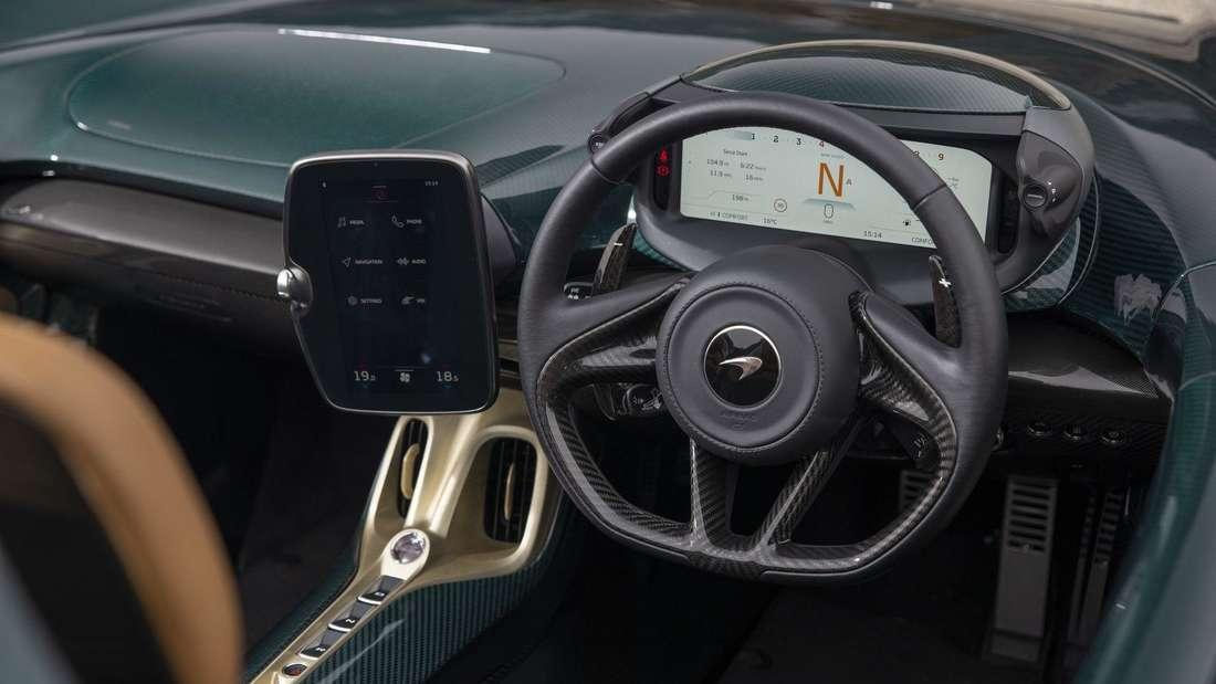 Blick ins Cockpit des McLaren Elva