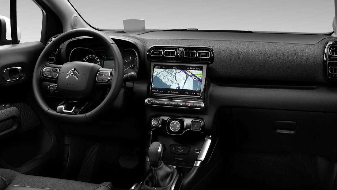 Der Innenraum des neuen Citroën C3 Aircross mit Lenkrad, Mittelkonsole und Armaturen