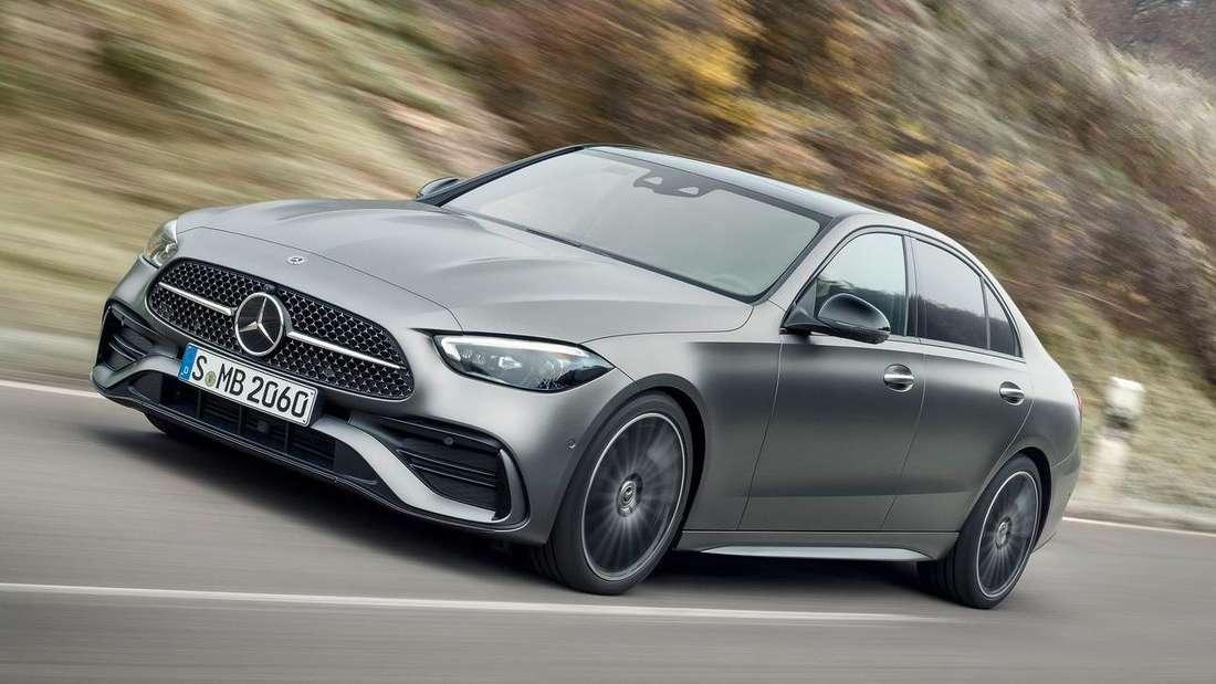 Fahraufnahme der neuen Mercedes C-Klasse Limousine