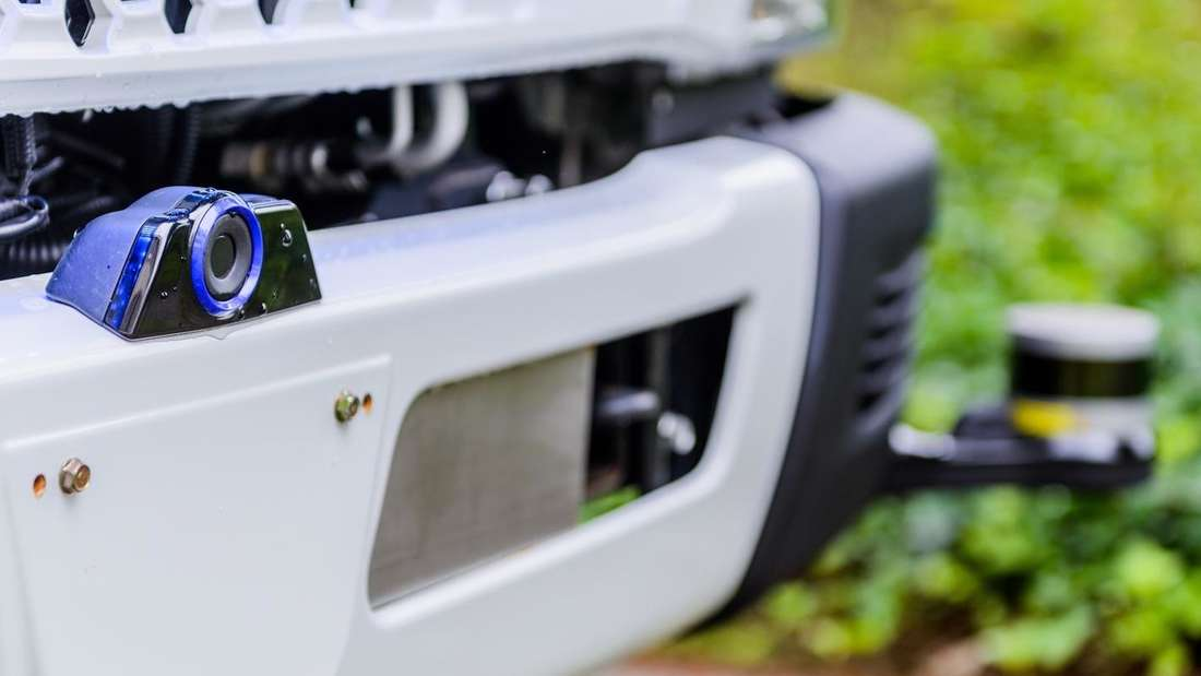 Die Lidar-Frontkamera eines Daimler-Trucks