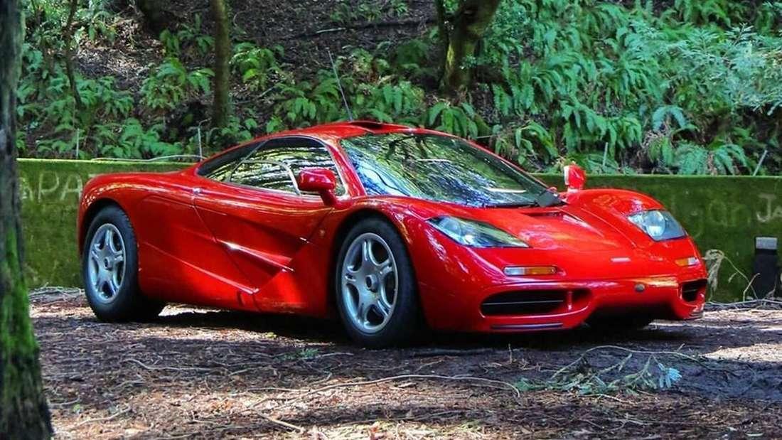 Ein roter McLaren F1