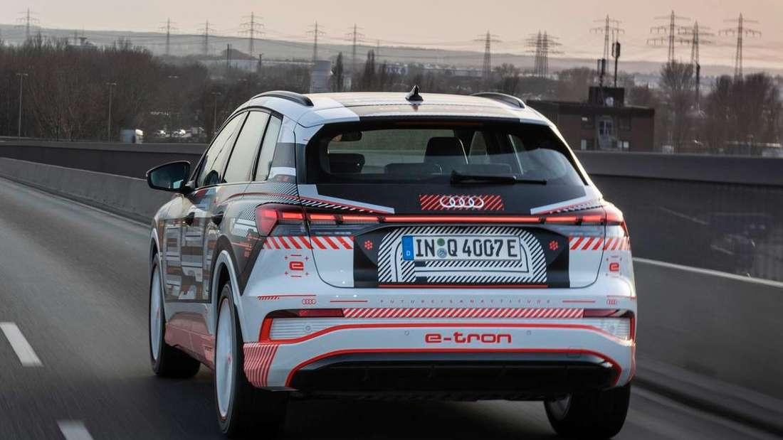 Der Audi Q4 e-tron von hinten