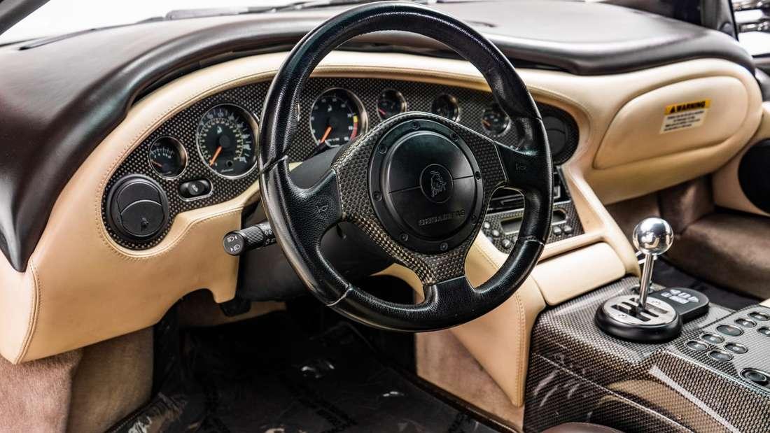 Blick ins Cockpit eines Lamborghini Diablo 6.0 SE