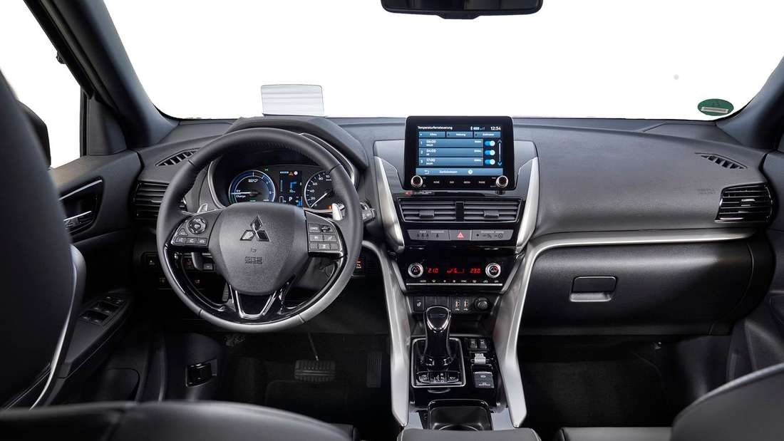 Blick ins Cockpit des Mitsubishi Eclipse Cross PHEV