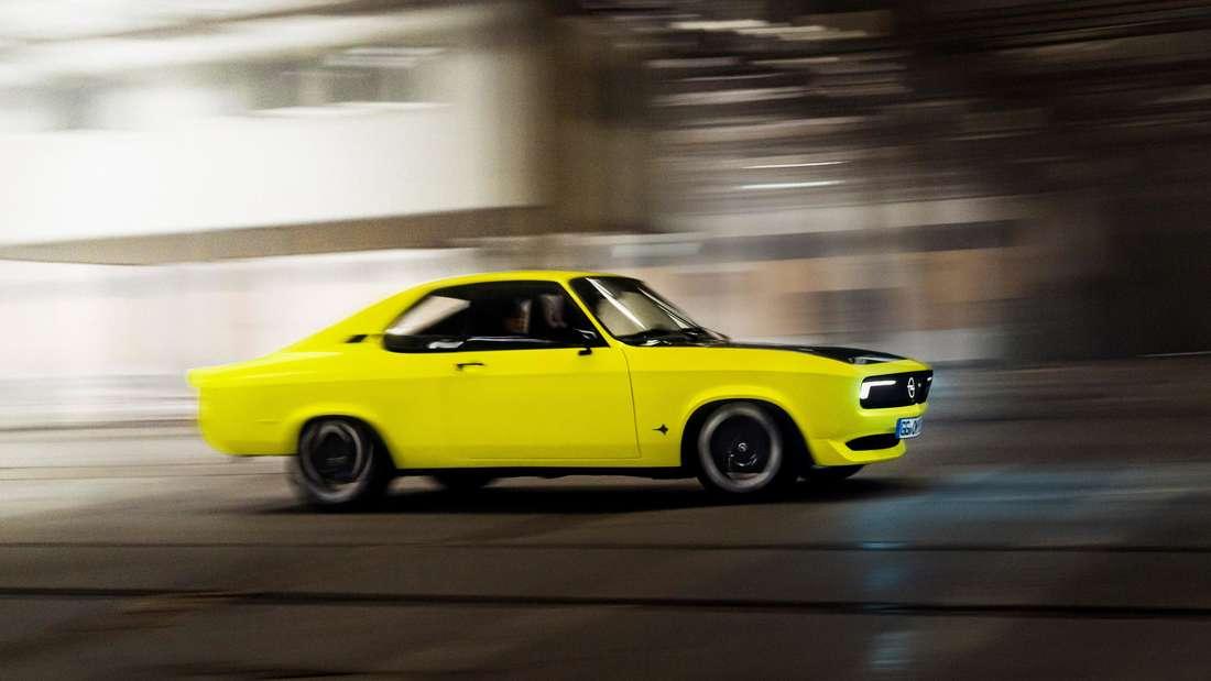 Studie Opel Manta GSe, fahrend