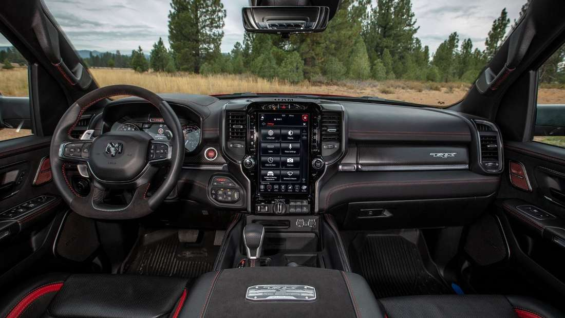 Blick in den Innenraum des RAM 1500 TRX