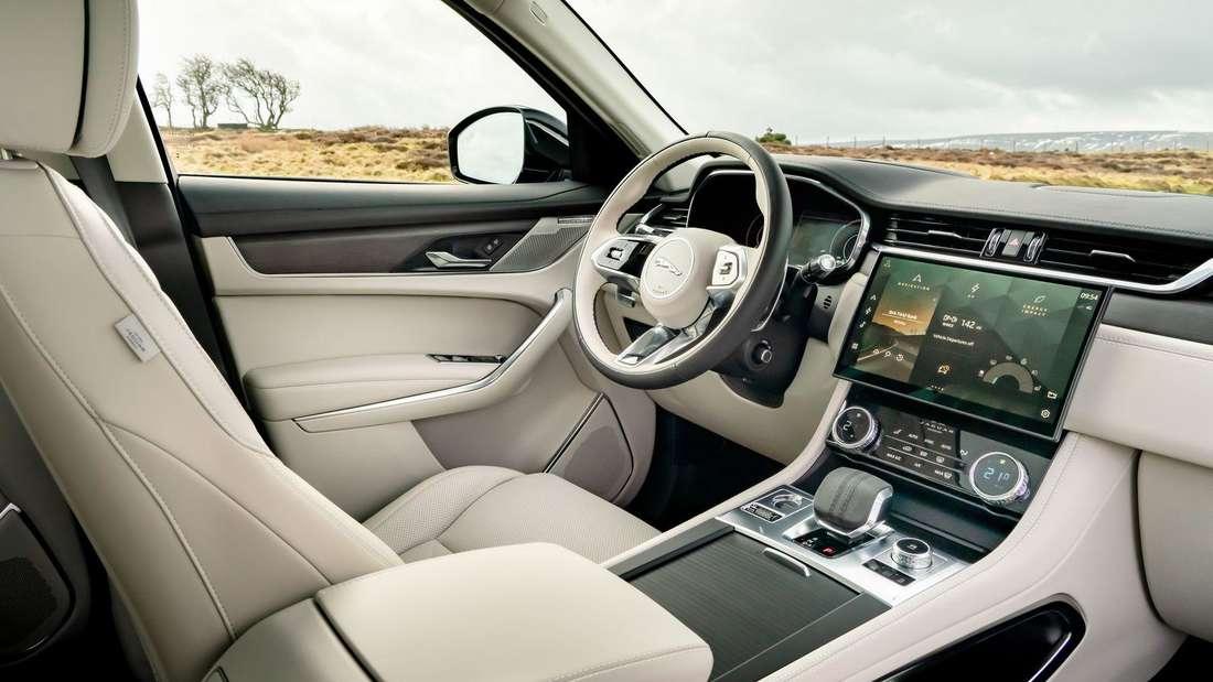 Blick in den Innenraum des Jaguar F-Pace