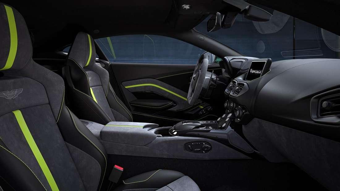 Blick in den Innenraum eines Aston Martin Vantage F1 Edition