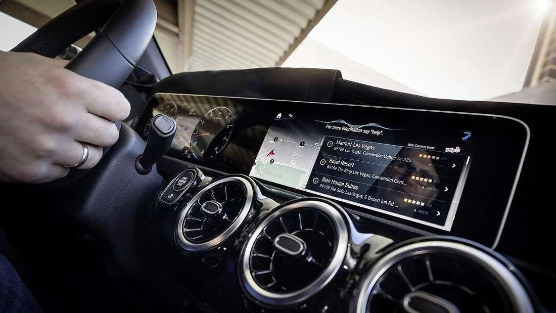 Der Riesen-Bildschirm Mercedes MBUX