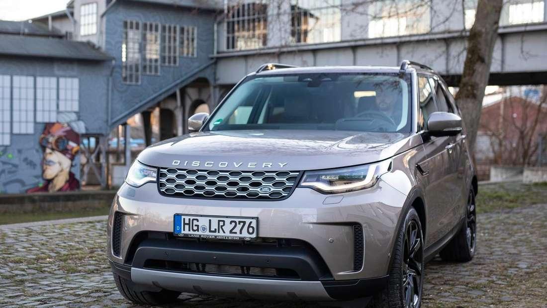 Der Land Rover Discovery D300 AWD von vorne