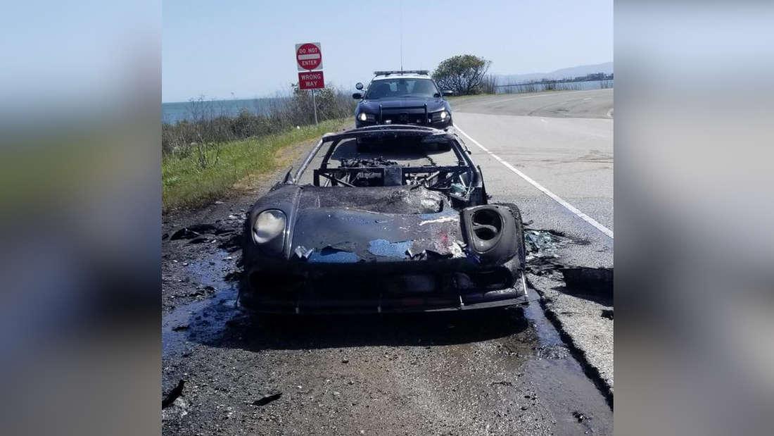 Ein Noble M400 ist ausgebrannt und nur noch ein Wrack.