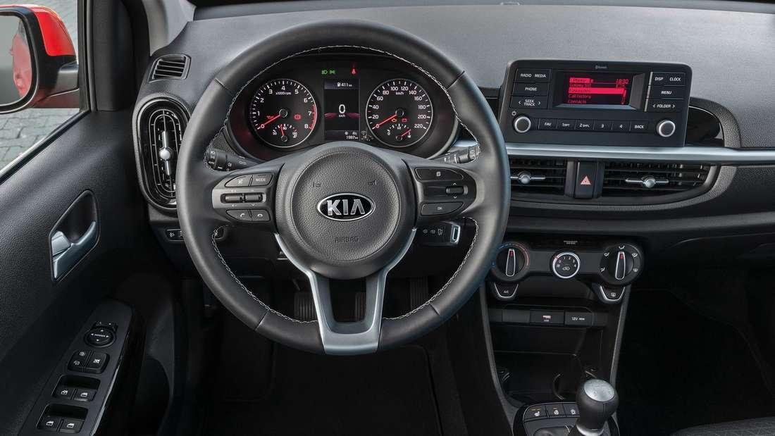 Blick ins Cockpit des Kia Picanto