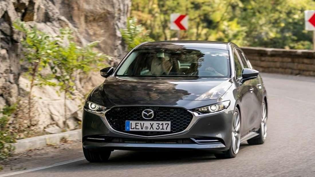 Fahraufnahme eines Mazda 3