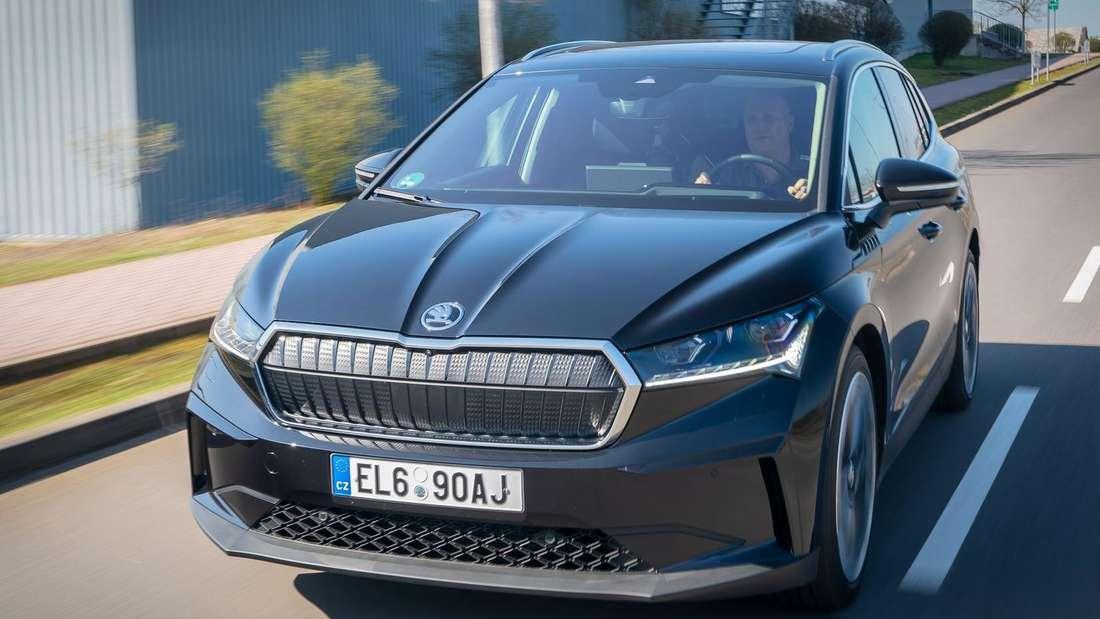 Der Škoda Enyaq iV 80 von vorne
