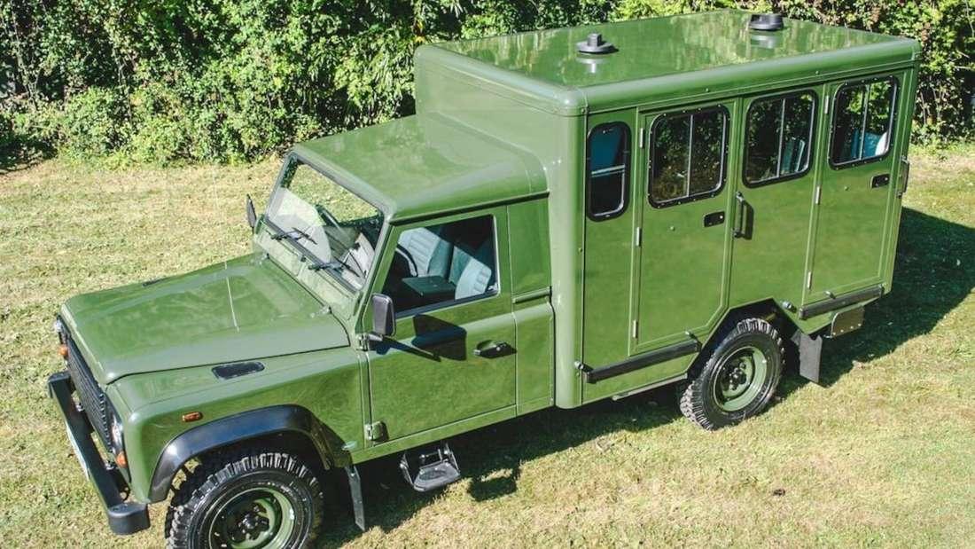 Der Land Rover Defender 130 Gun Bus von Prinz Philip