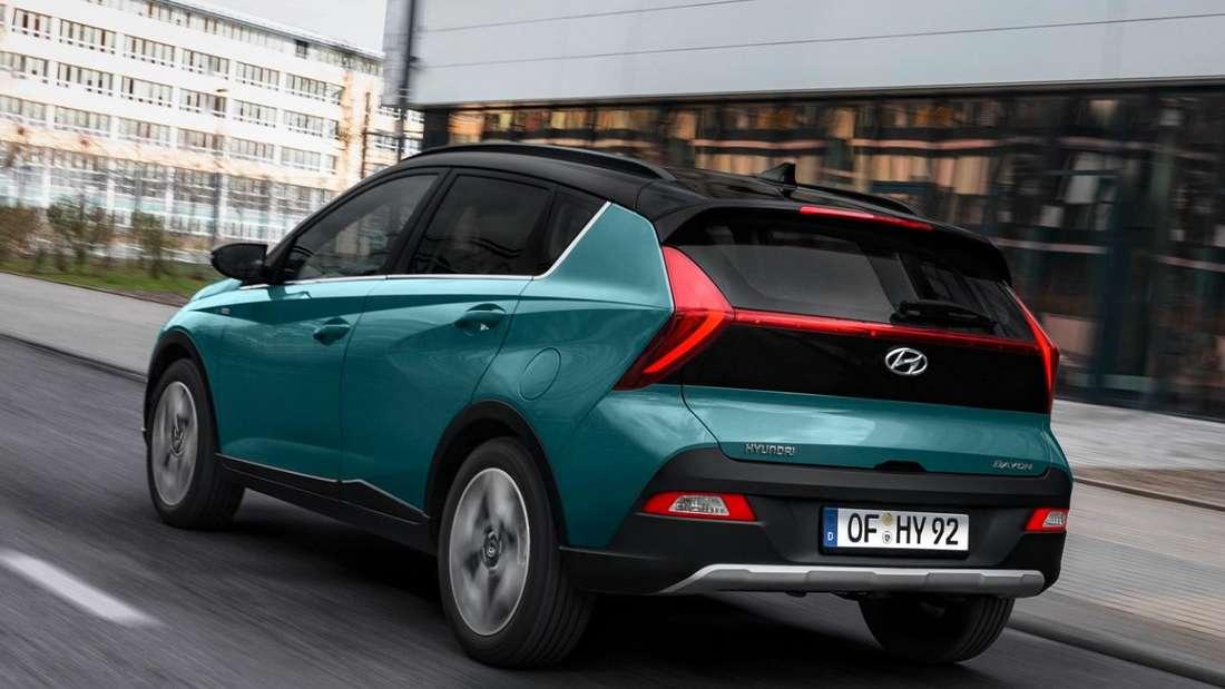Der Hyundai Bayon von hinten