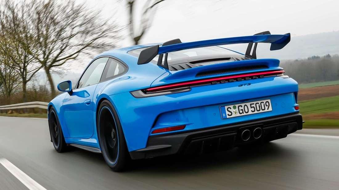 Der neue Porsche 911 GT3 (992) von links hinten