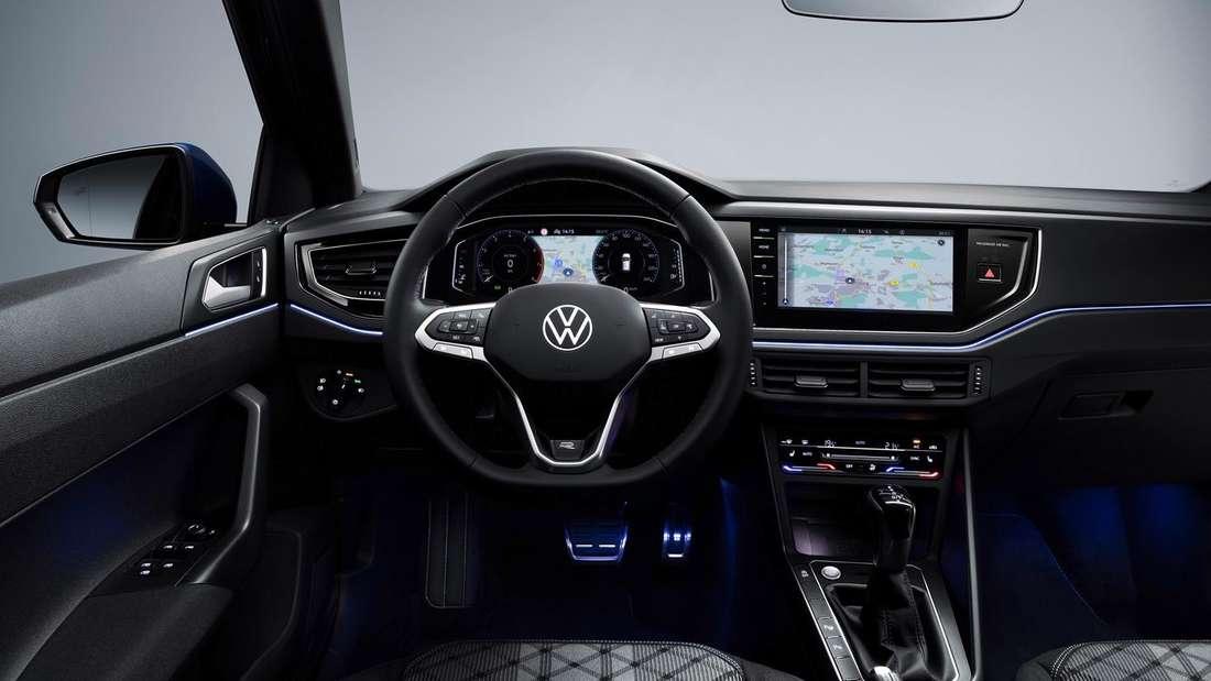 Blick ins Cockpit eines VW Polo R-Line