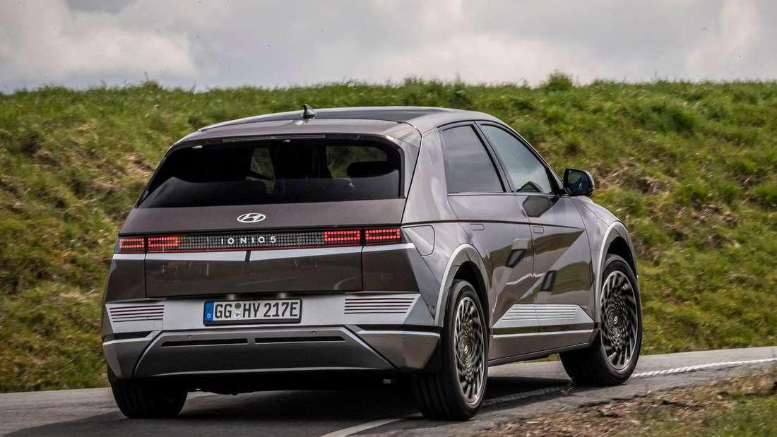Fahraufnahme eines Hyundai Ioniq 5