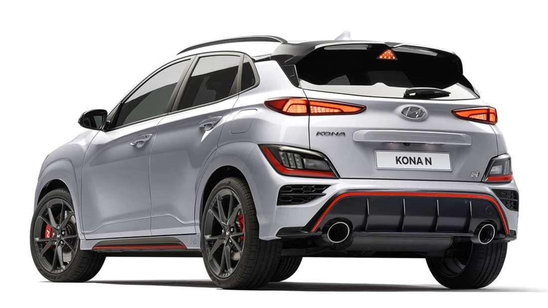 Der Hyundai Kona N von schräg links hinten
