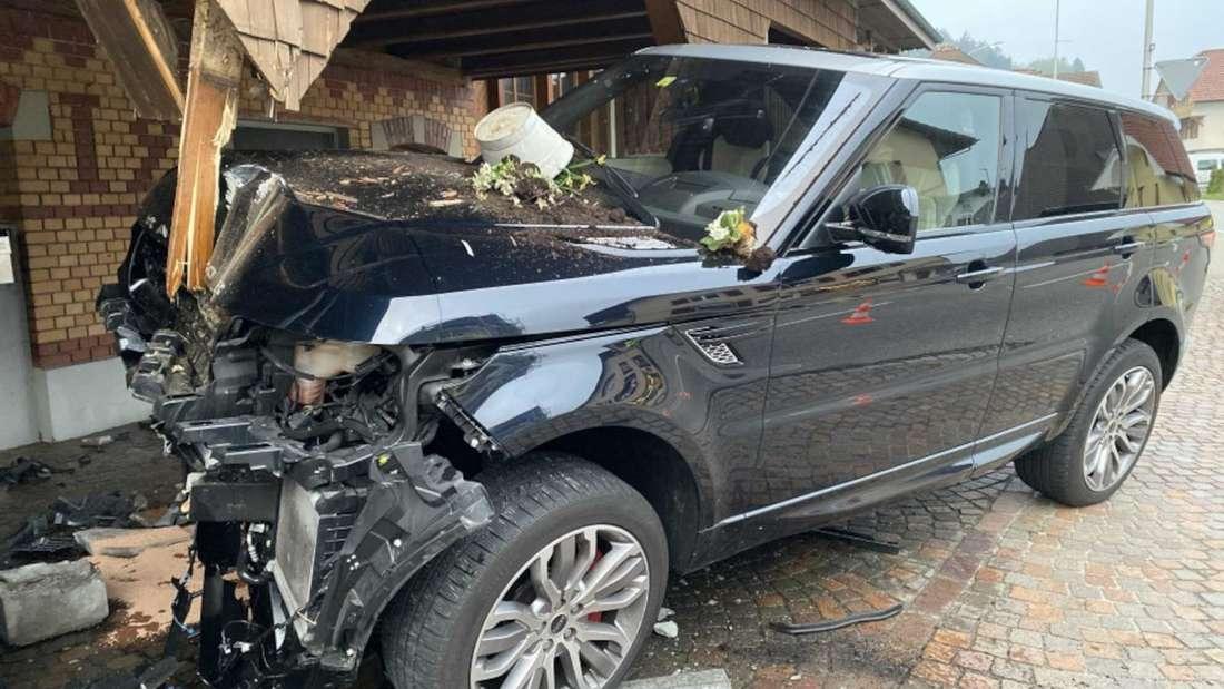 Ein zerstörter Range Rover