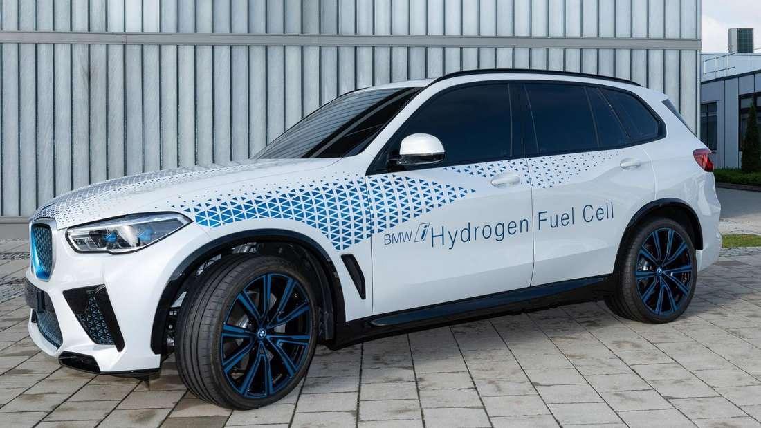 BMW X5 als Prototyp i Hydrogen Next, stehend