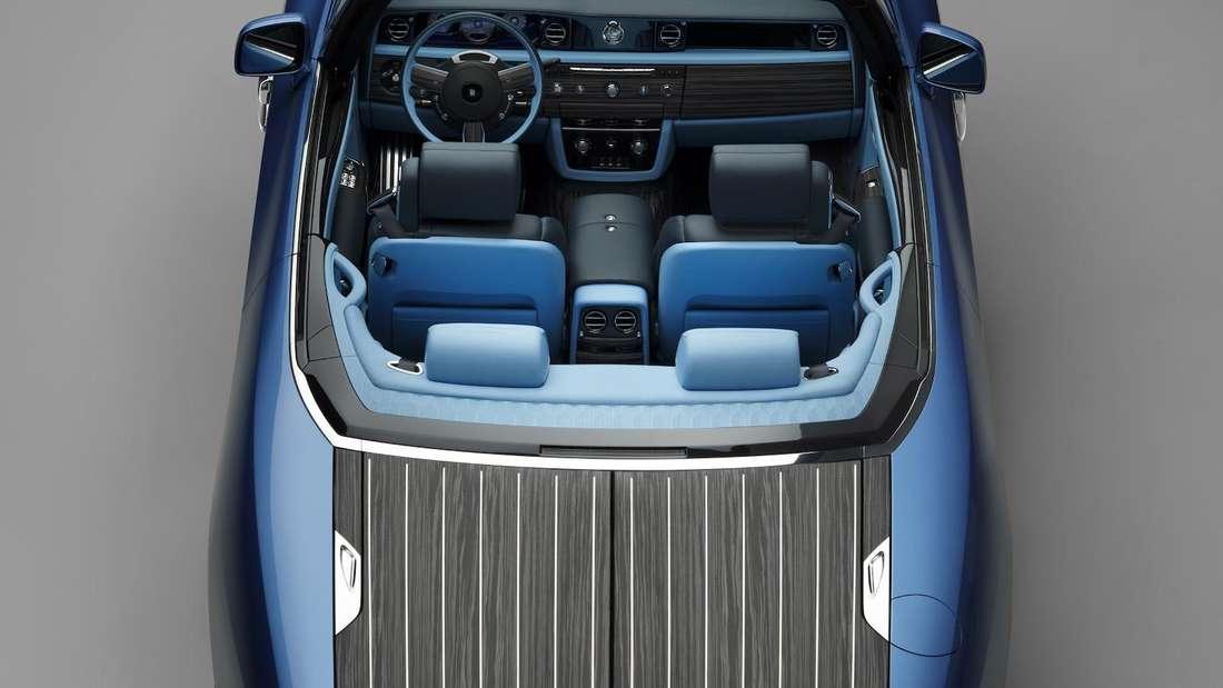 Das blaue Rolls-Royce Boat Tail Cabriolet von oben