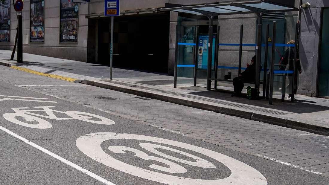 Das Tempolimit auf einer Straße in Madrid liegt bei 30 km/h. (Symbolbild)