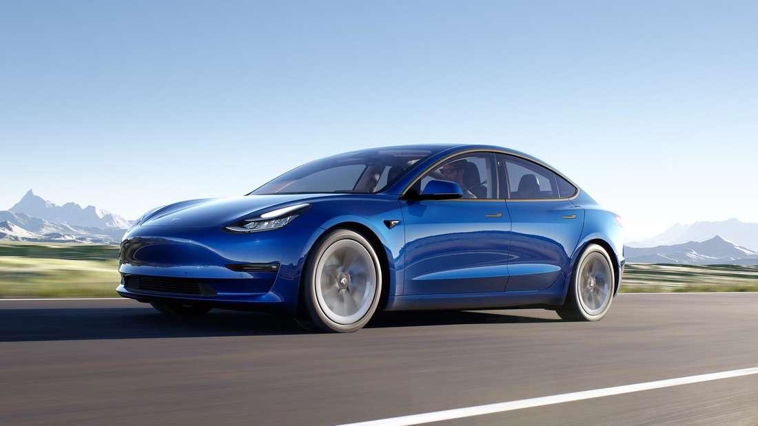 Tesla Model 3, fahrend