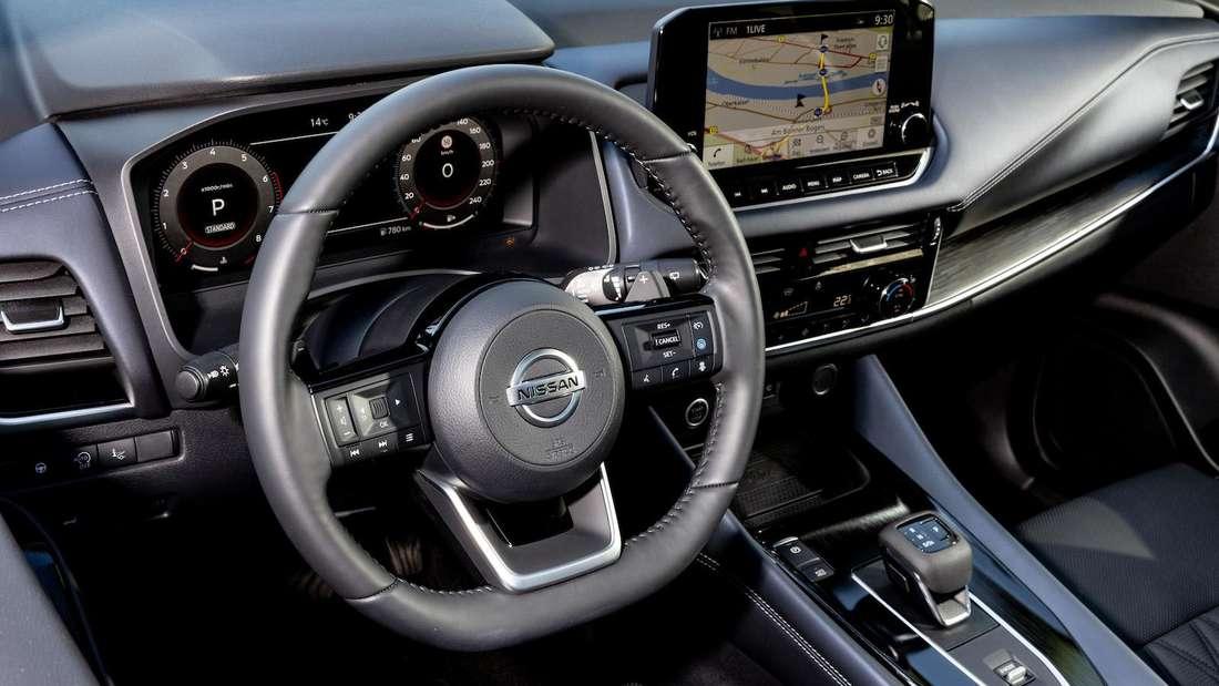 Das Cockpit des Nissan Qashqai 1.3 DIG-T 4x4