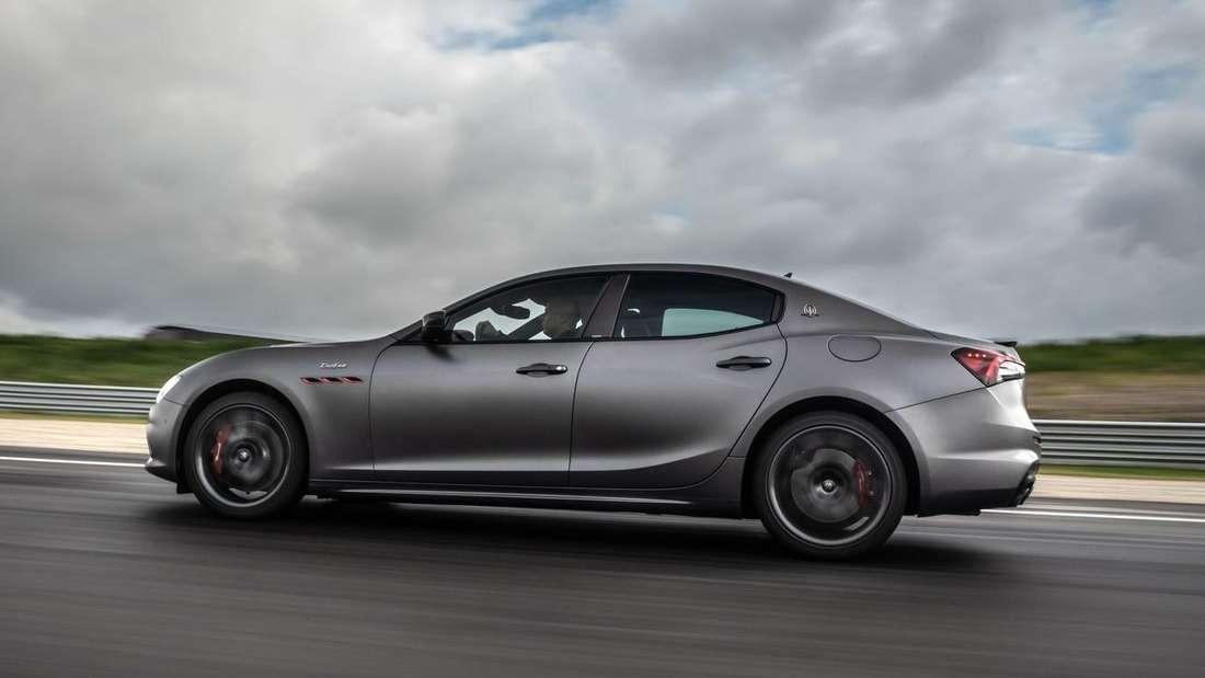 Maserati Ghibli Trofeo, fahrend, Seitemansicht