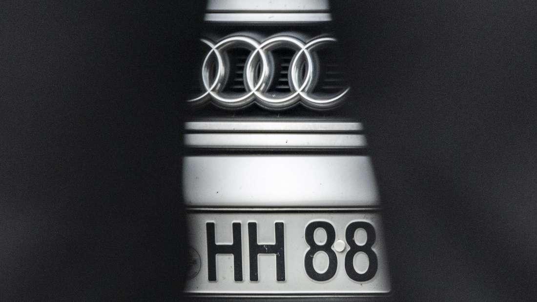 Autokennzeichen mit HH und 88