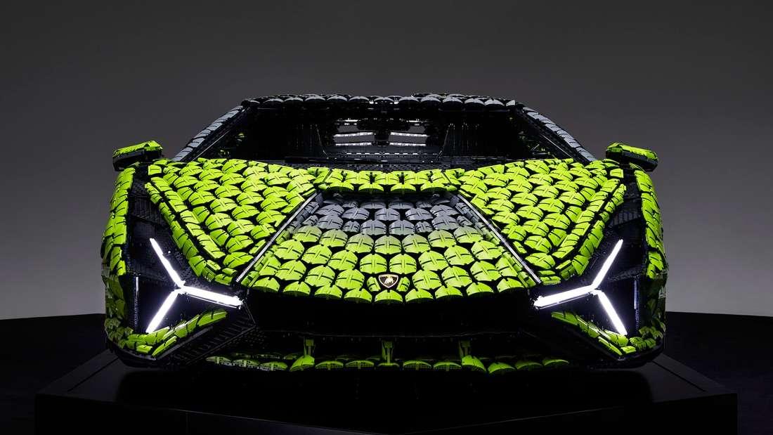 Der Lamborghini Sián als Lego-Modell im Maßstab 1:1