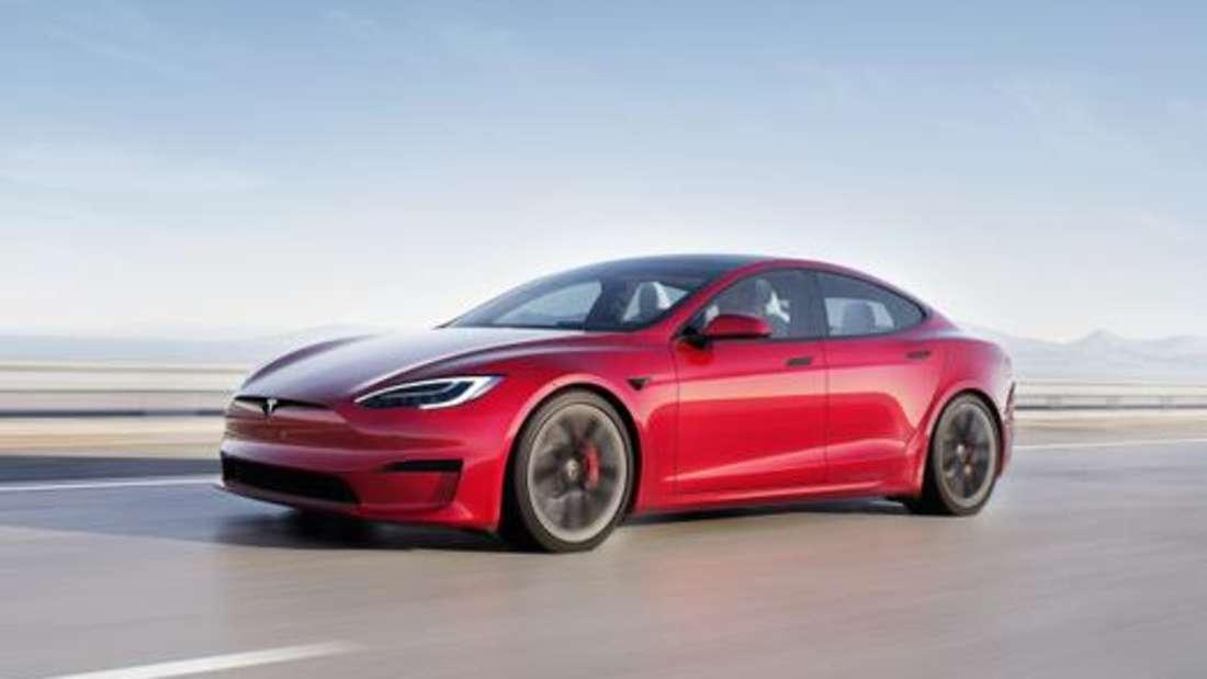 Tesla Model S, fahrend