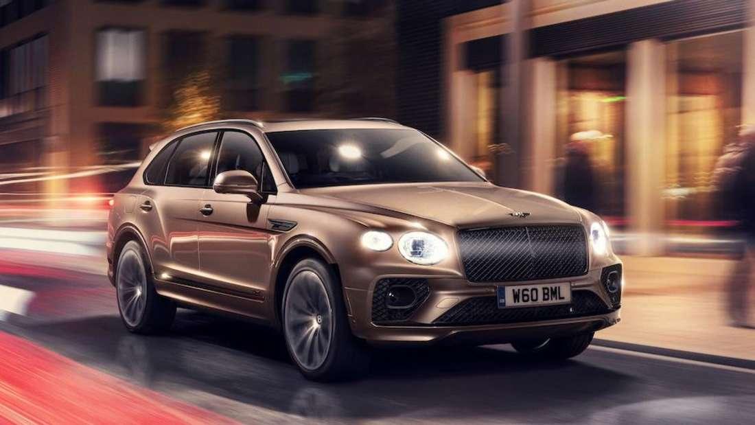 Bentley Bentayga PHEV, fahrend in der Stadt