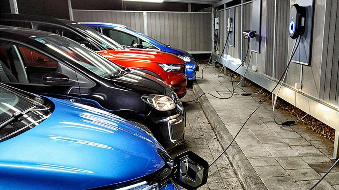 Elektroautos beim ADAC-Test für Wallboxen