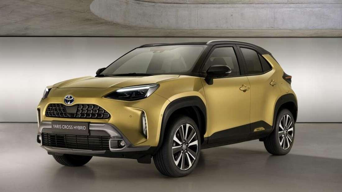 Toyota Yaris Cross, von seitlich vorn