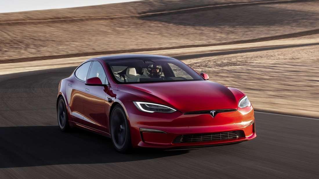 Tesla Model S Plaid, fahrend