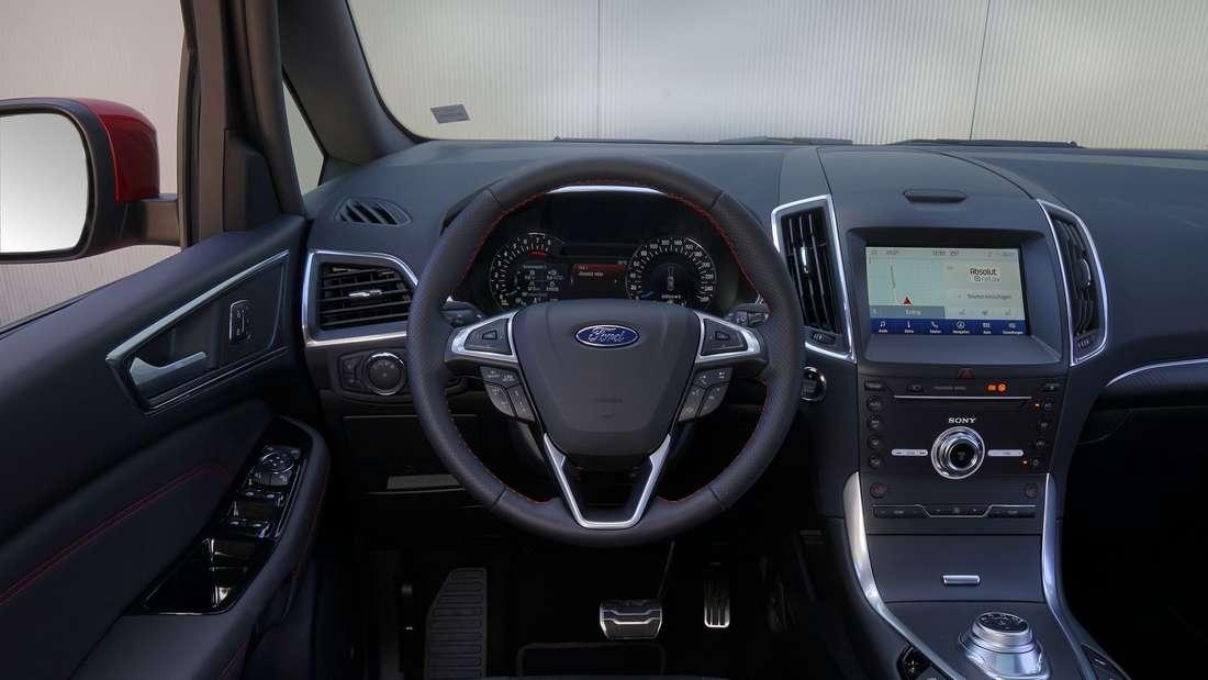 Interieur des Ford S-Max FHEV