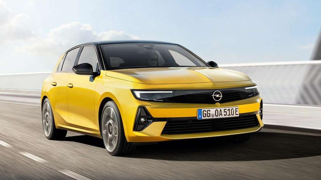 Fahraufnahme des neuen Opel Astra