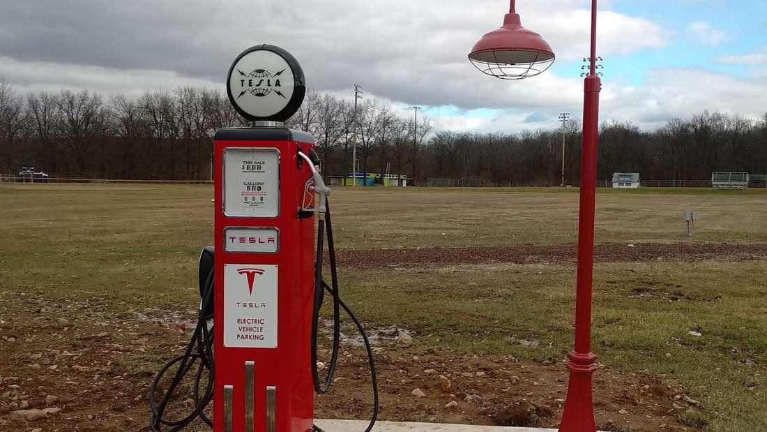 Tesla-Ladestation im Retro-Design in Coopersburg