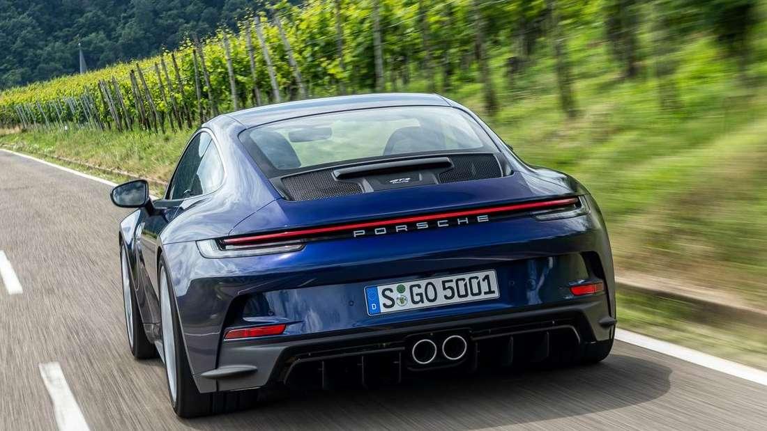 Porsche 911 GT3 mit Touring Paket, fahrend, von hinten
