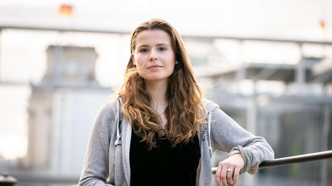 Luisa Neubauer von Fridays for Future am Rande einer Pressekonferenz (Symbolbild)