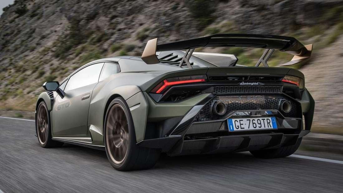 Fahraufnahme eines Lamborghini Huracán STO