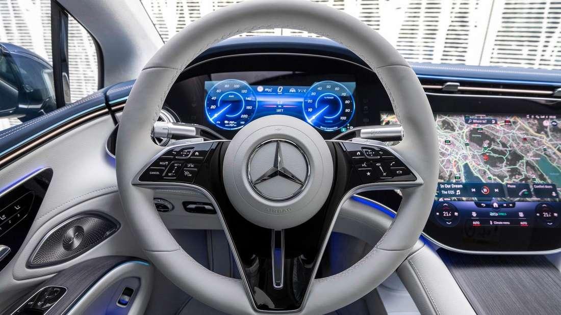 Das Cockpit des Mercedes EQS 450+.