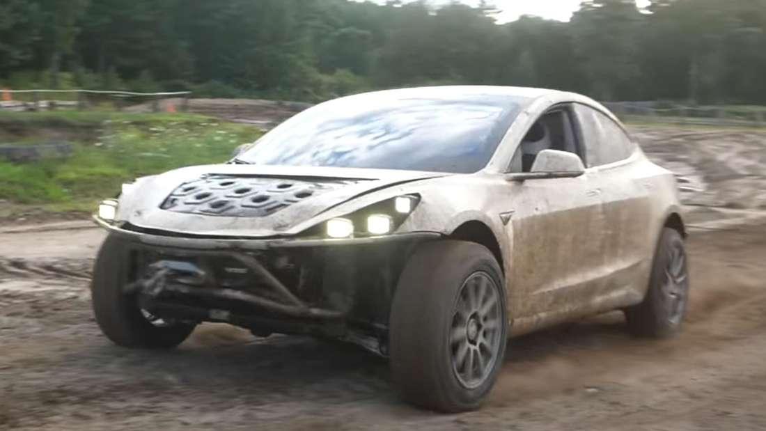 YouTube-Video mit Offroad-Tesla