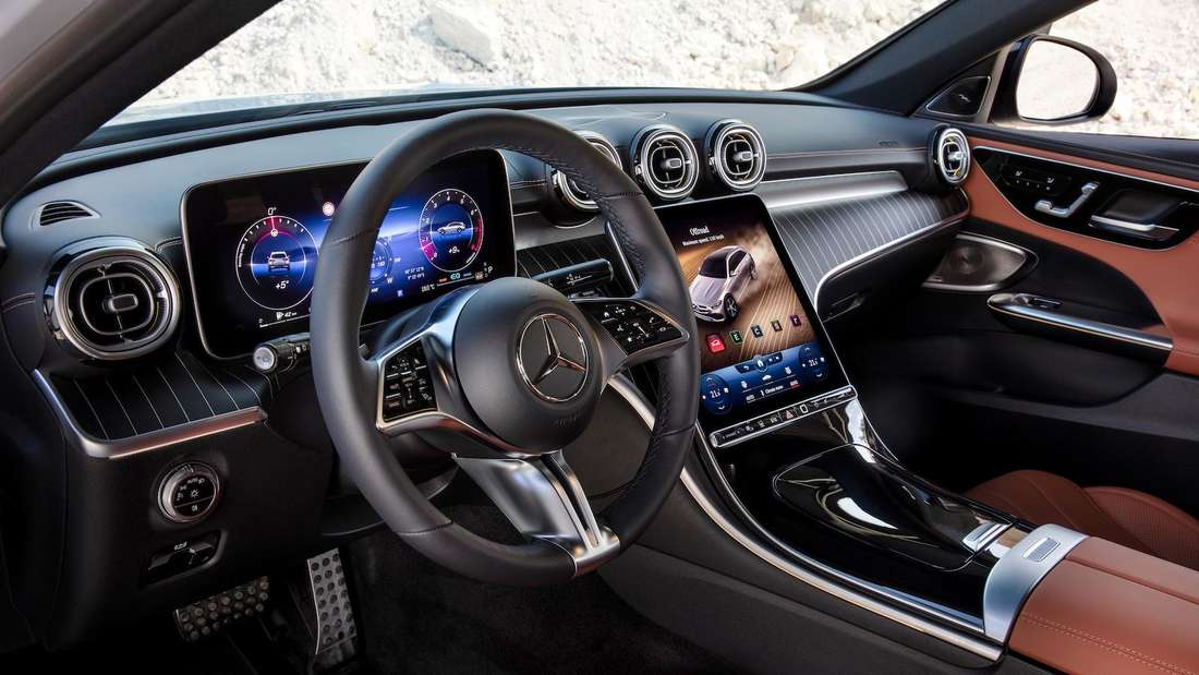 Blick ins Cockpit einer Mercedes C-Klasse All-Terrain